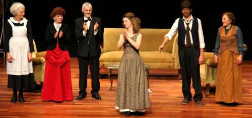 El Taller de Teatro de Salobreña triunfó en Almuñécar con 'Casa de muñecas'