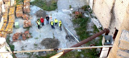 Empiezan los trabajos de reparación de la chimenea de la Fábrica del Pilar
