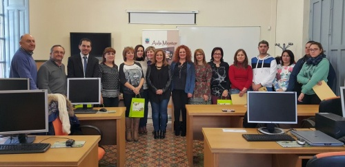 Empresarios locales subvencionan matrículas para los cursos del Aula Mentor