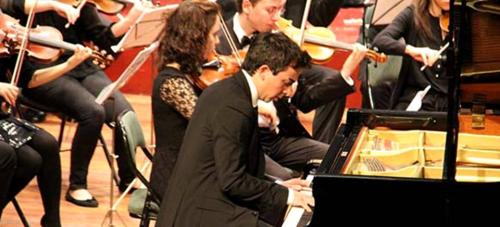 Gran interpretación de Chopin por Chema Villegas y la Joven Orquesta del Sur de España en Almuñécar