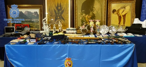 Intervenido un fusil AK-47 y diez armas cortas a un activo grupo de traficantes de droga desarticulado en Granada