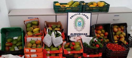 La Policía Local de Almuñécar decomiso 185 kilos de frutas y verduras en el Rastrillo Solidario
