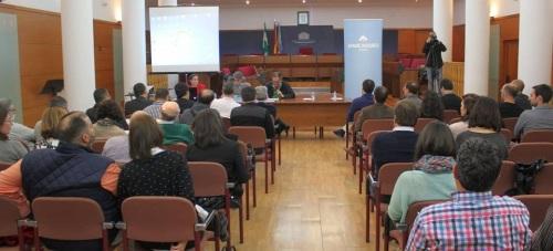 Antonio Escámez informa que el Ayuntamiento prepara una nueva ordenanza para la conservación de edificios