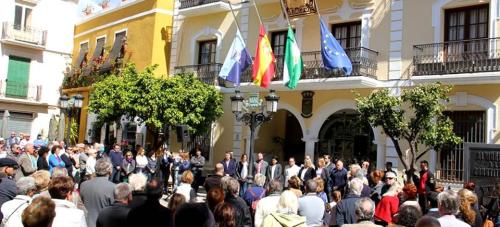 Declaración Institucional en Almuñécar con motivo de los atentados en Bruselas (Bélgica)