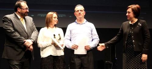 El AMPA L@s Travies@s del Colegio Río Ebro de Motril recoge en Granada el 'Premio por la Igualdad de Género 2016'