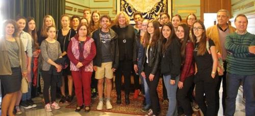 La alcaldesa de Motril recibe en el Ayuntamiento a una decena de alumnos alemanes