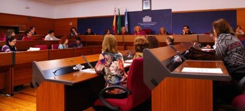 La Comisión de Absentismo Escolar se reúne con el objetivo de atajar el problema trabajando desde la base