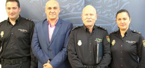 Servicios Sociales y Policía Nacional forman a los mayores motrileños para prevenir robos y timos gracias al programa 'Mayor Seguridad'