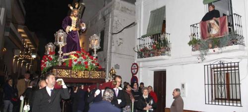 Un Vía Crucis por el casco antiguo de La Herradura abrió la Semana Santa herradureña