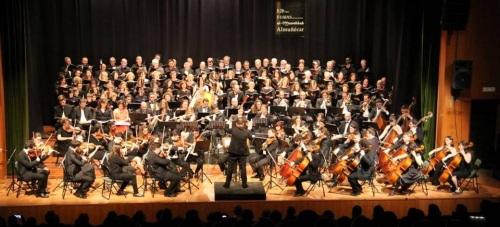 Brillante homenaje a Beethoven con la OSCA y coros interprendo la Novena Sinfonía