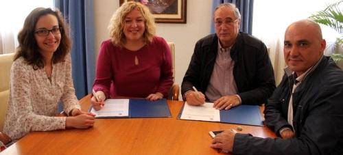 El Ayuntamiento y Cáritas firman un acuerdo para formar a 25 personas en riesgo de exclusión social