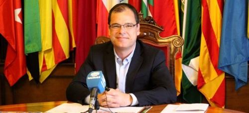 El coordinador de Participación Ciudadana, Francisco Medina, en la presentación de Motrileños en Ruta, Alhambra Nocturna