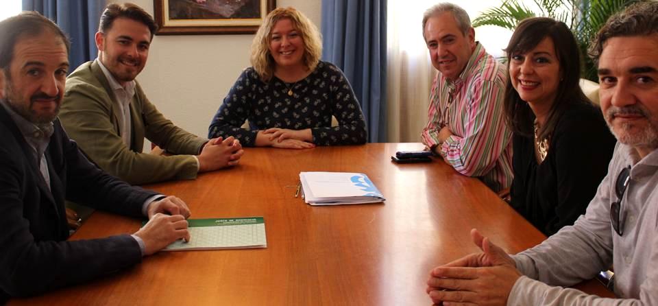 La alcaldesa se reúne con el delegado de Turismo y Cultura para tratar sobre la Fábrica del Pilar
