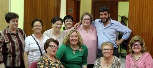 La alcaldesa visita a la 'Asociación de Vecinos San José' de la calle Ancha
