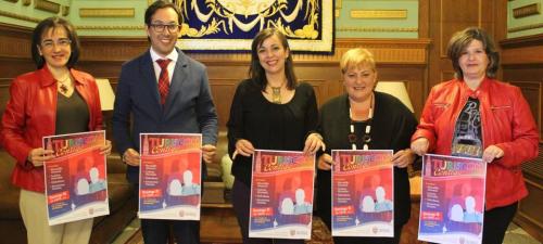La iniciativa 'Turiscom Contigo' fomenta el turismo ligado al comercio e invita a pasar un día en familia