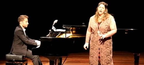 La soprano Leticia Rodríguez ofreció un bello concierto en Almuñécar