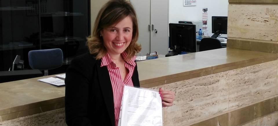 Lola Sánchez en el registro de la iniciativa popular de Ciudadanos 1