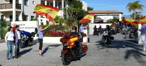Más de un centenar de Harley Davidson participan en la VIII concentración 'Toro Run', cuya base es el Hotel Robinson de Motril