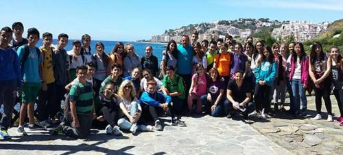 Medio centenar de alumnos del IES Puerta del Mar conocen la biodiversidad del parque del Mediterráneo