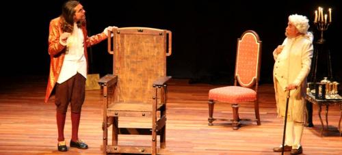 Silvio Rivas y Juanon Miguel tuvieron una actuación brillante en la interpretación de la obra 'El veneno del teatro'.png