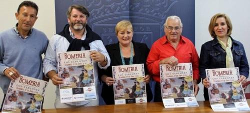 Susana Feixas y miembros de la Asociación de Vecinos Cerro de las Guías durante la presentación de la XV Romería de los Tablones2