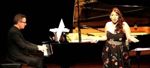 Bello concierto de María Tuvira en Almuñécar