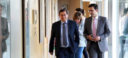 Diputación y Ayto. de Granada sumarán esfuerzos para mejorar las conexiones aéreas de la provincia