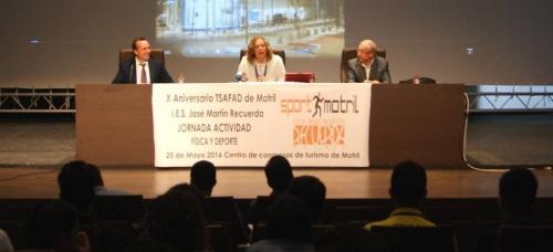 La alcaldesa inaugura la 'Jornada de Actividad Física y Deporte' del IES Martín Recuerda