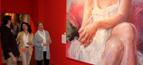 "La Casa de la Cultura de Almuñécar acoge la muestra pictórica ""Vervesos"" de la artista granadina Elena Laura"