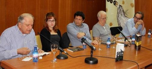 Recital poético y charla coloquio sobre la novela 'Noviembre' para inaugurar el Festival Intl. de Poesía