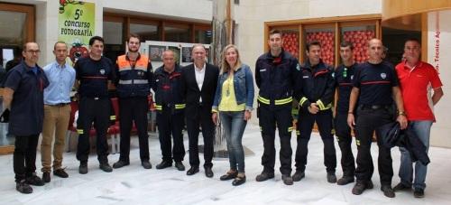Un ciclo de visitas permite conocer a los bomberos de Motril los sistemas de prevención de emergencias de las empresas de la Comarca
