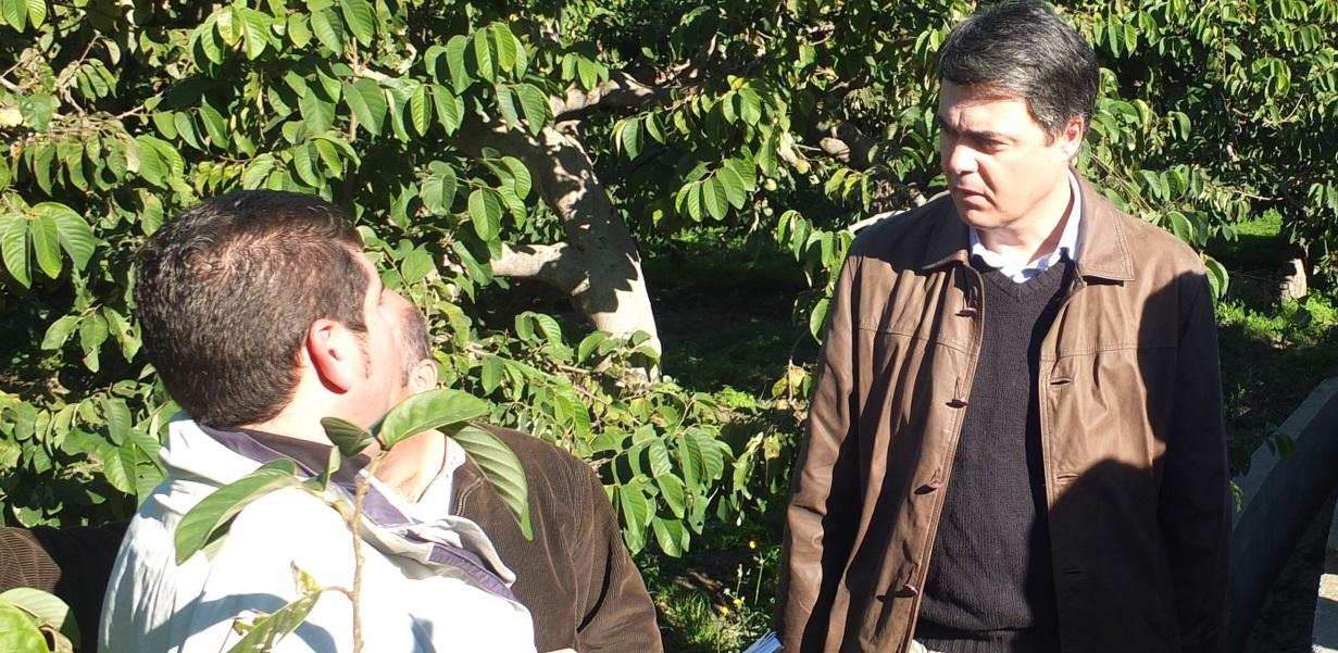 Visita de Carlos Rojas a la Vega del Río Verde