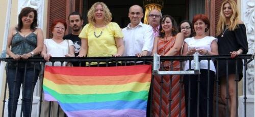 El Ayto. de Motril celebra el Día Intl. del Orgullo de Lesbianas, Gais, Transexuales y Bisexuales e Intersexuales (LGTBI)