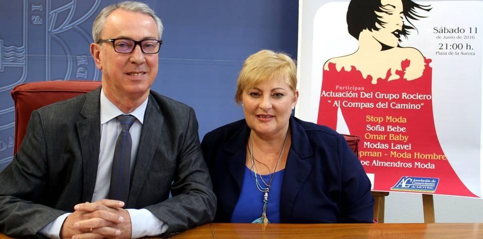 La 'IX Pasarela de la Moda del Comercio' de Motril llenará un año más la plaza de la Aurora
