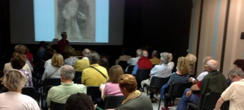 La obra de Goya 'La familia de Carlos IV' puso el broche final al ciclo 'irar un cuadro'