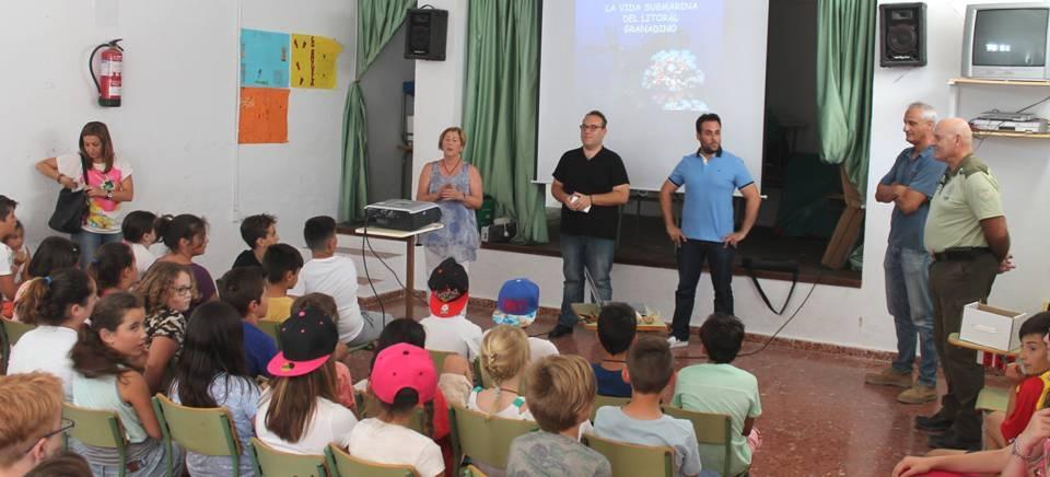 La Villa lleva a cabo una jornada de concienciación sobre los fondos marinos para escolares