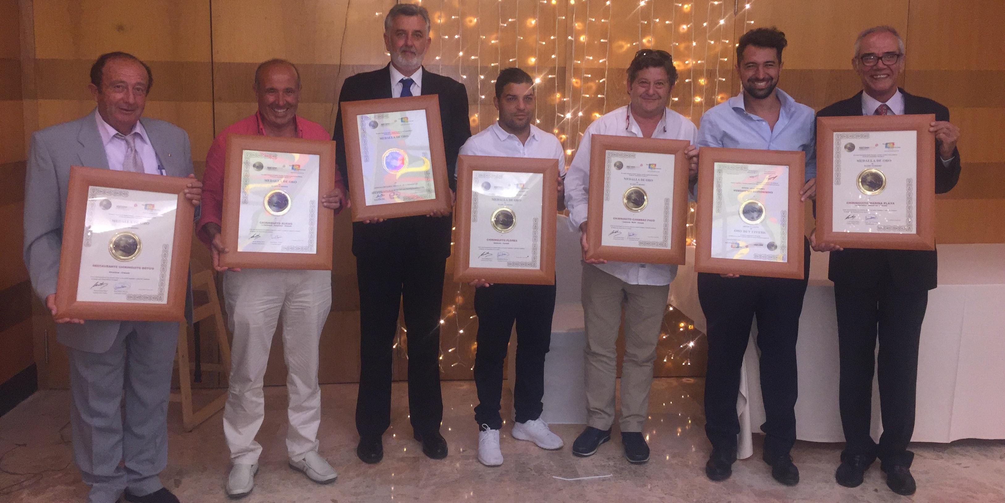 Ocho chiringuitos de la Costa Tropical galardonados con la medalla de oro de Radio Turismo