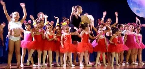 Solange Janssens celebró con éxito la 'gala fin de curso' de su escuela de danza