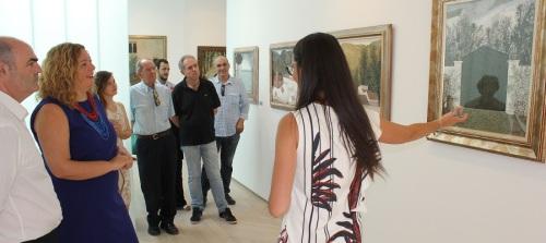 La alcaldesa y la familia del artista Hernández Quero inauguran las visitas guiadas a la exposición sobre su obra