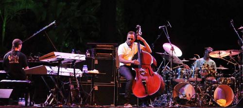 Stanley Clarke clausuró el Festival de Jazz en la Costa