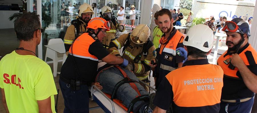Bomberos, Policía Local y Protección Civil de Motril se ponen a prueba en un simulacro de incendios