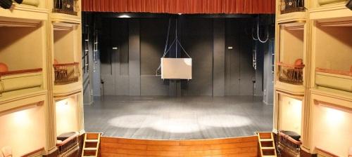 el-ayuntamiento-acondiciona-el-teatro-calderon-para-el-inminente-inicio-de-la-temporada-cultural-de-otono-e-invierno