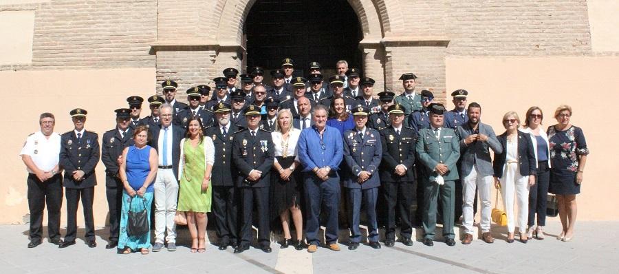la-policia-local-celebra-los-actos-en-honor-a-su-patron-reconociendo-la-labor-de-agentes-personas-e-instituciones