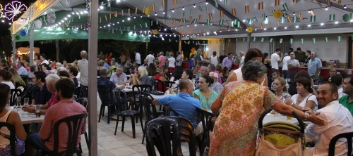 Los Tablones celebra sus fiestas con gran éxito de participación
