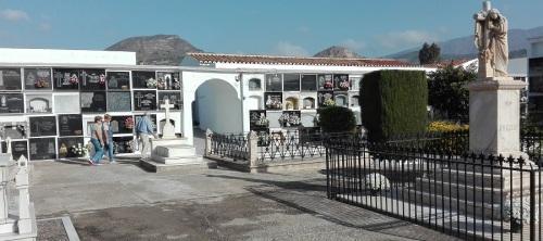a-punto-el-cementerio-municipal-de-motril-para-celebrar-el-dia-de-todos-los-santos