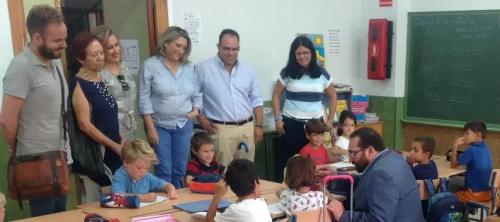 el-delegado-provincial-de-educacion-visita-el-cp-las-gaviotas-de-la-herradura