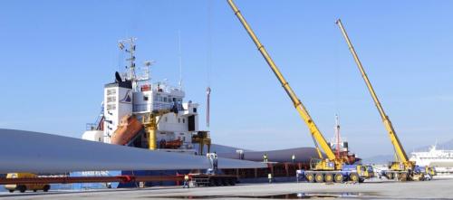 el-puerto-exporta-hasta-septiembre-un-23-mas-de-palas-eolicas-que-en-2015