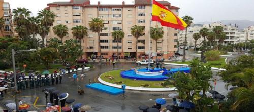 homenaje-a-la-bandera-de-espana-con-motivo-de-la-fiesta-nacional