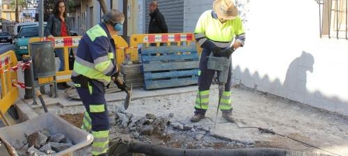 el-ayto-de-motril-acomete-obras-en-la-calle-camino-de-las-canas-para-eliminar-barreras-arquitectonicas