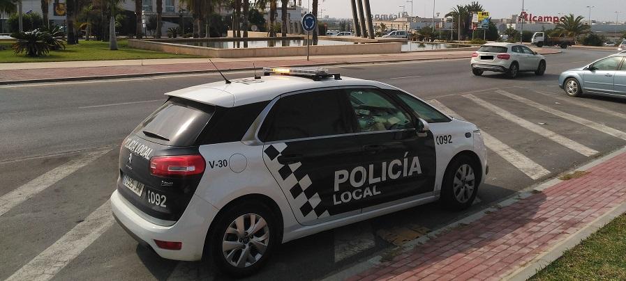 la-policia-local-de-motril-evita-el-robo-de-una-vivienda
